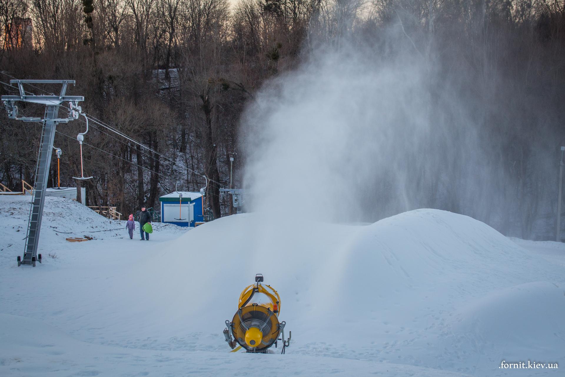 Снеговые пушки работают во всю